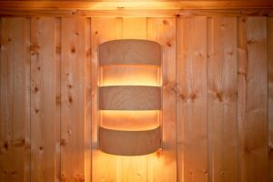 difference between traditional sauna and infrared sauna
